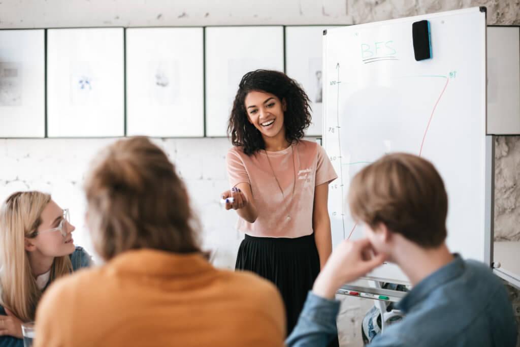 5 benefícios de investir em treinamentos para funcionários
